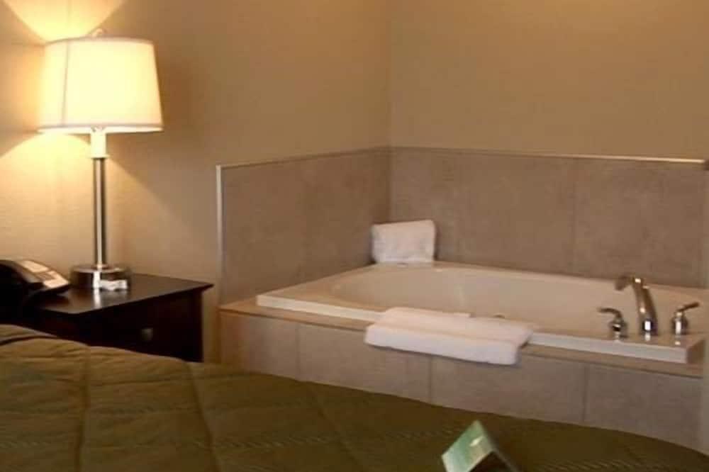 Suite, 1 kingsize-seng, massasjebadekar - Boblebad