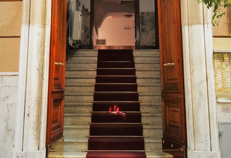 Prati Luxury Suites & Scipioni Vatican, Rome, Hotel Entrance