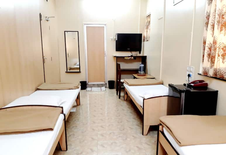 Milan Guest House, Mumbai, Deluxe Four bed A/c , Guest Room