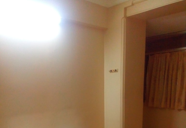 Sangam Guest House, Mumbai, 3 bed A/c, Guest Room