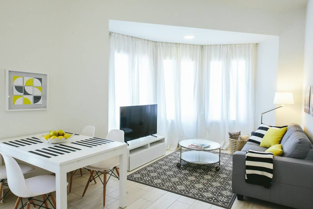 Căn hộ Tiêu chuẩn, 2 phòng ngủ (Triple) - Khu phòng khách