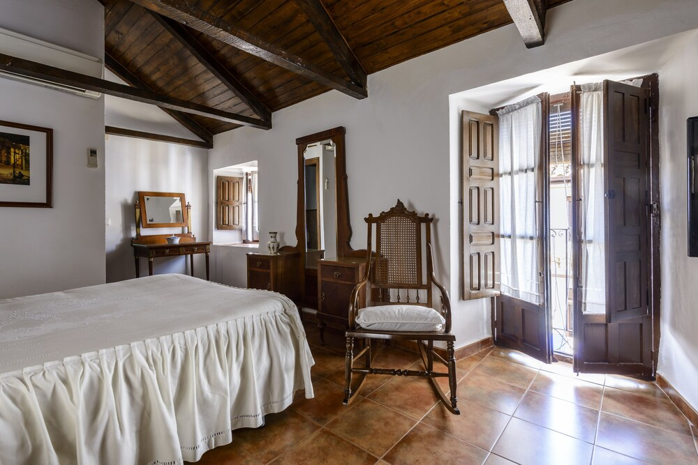 Casa rural t a pilar de almagro en almagro for Hotel familiar en pilar