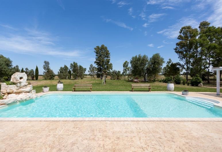 Villa Pizzi, San Donaci, Piscina al aire libre