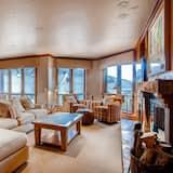 Apartemen, Beberapa Tempat Tidur, pemandangan gunung (Two-Bedroom Apartment) - Ruang Keluarga