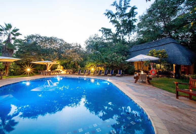 Bayete Guest Lodge, Victoria Falls, Venkovní bazén