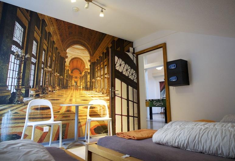 VIVA Hostel Chur, Chur, Τρίκλινο Δωμάτιο, Δωμάτιο επισκεπτών