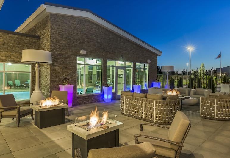 Residence Inn by Marriott Portland Hillsboro/Brookwood, Hillsboro, Taras/patio