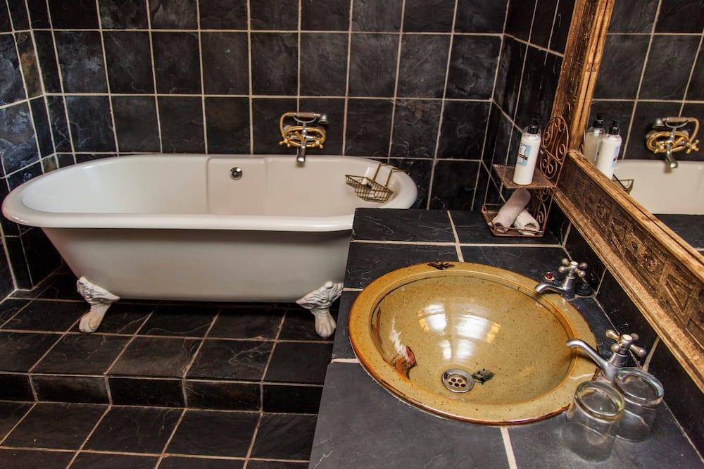 ห้องเอ็กเซกคิวทีฟ, เตียงคิงไซส์ 1 เตียง - ห้องน้ำ