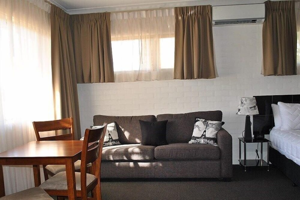 Family Room, 2 Bedrooms - Living Area