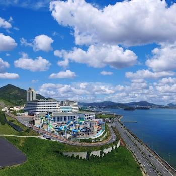 תמונה של The Ocean Hotel ביוסו