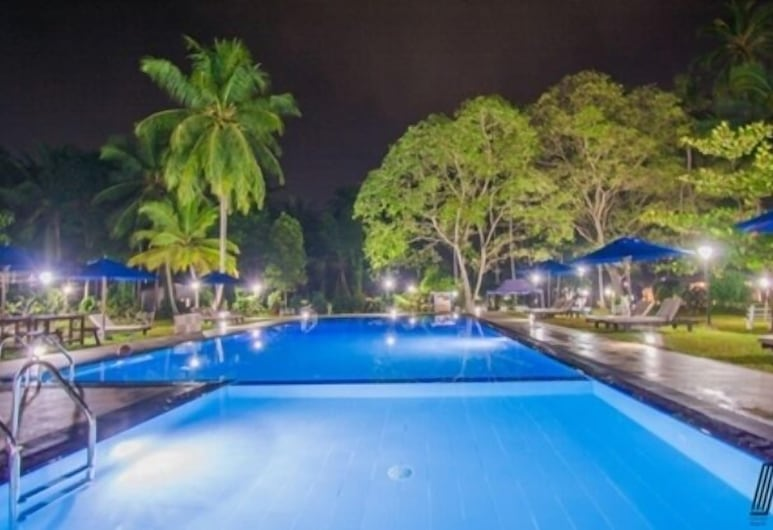 Oreeka Hotel – Complimentary Airport Transfer, Negombo, Outdoor Pool