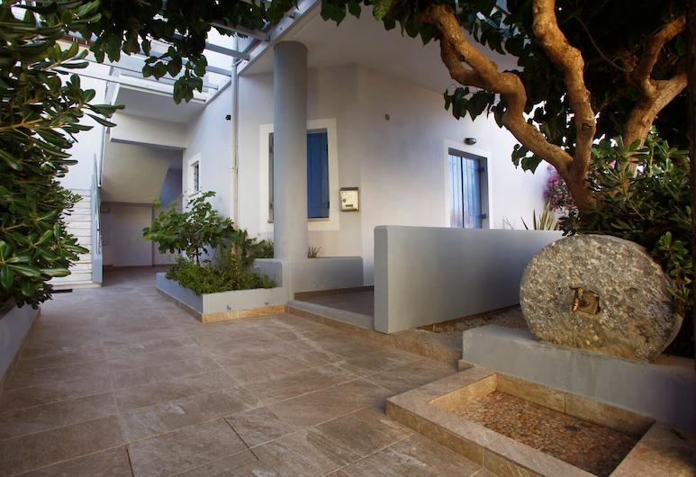 Studios Vasilis, Chania, Terrace/Patio