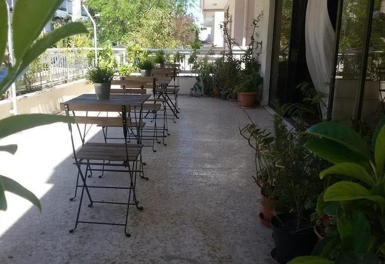 Emmanuel Apartments, Rhodes, Tempat Makan Luar
