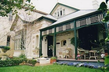 Picture of Water Bay Villa Bed and Breakfast in Glenelg South