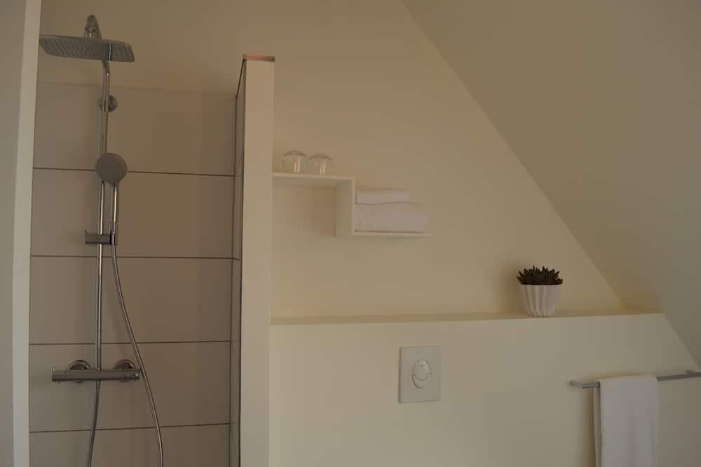 Double Room (OBS! Check in at Gerlev Kro, Bygaden 4, 3630 Jægerspris) - Bathroom