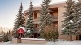 Choose This Mid-Range Hotel in Ketchum