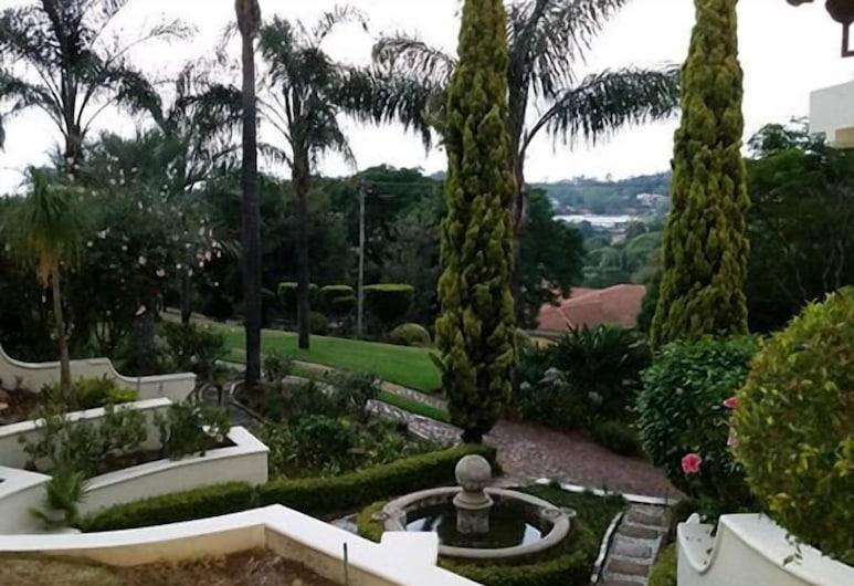 Tweyamo Guest House, Pretoria, Garden