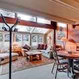 Kooperatīva tūristu mītne, trīs guļamistabas (Walk to Slopes) - Dzīvojamā zona