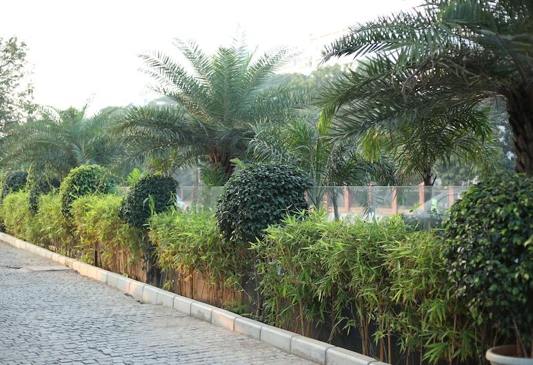 V7 Hotel, Chennai, Záhrada