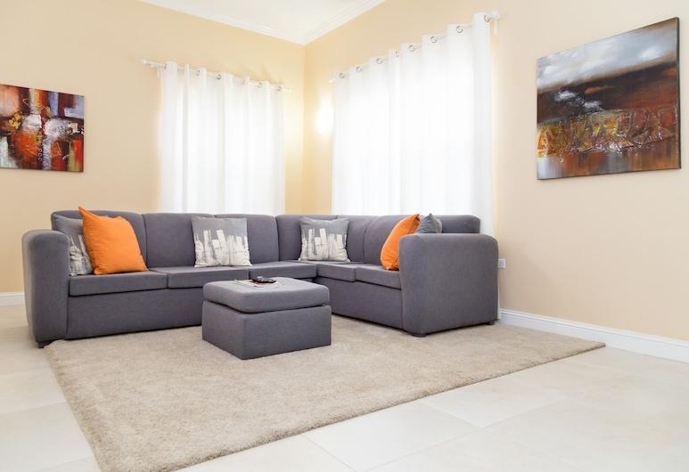 New Kingston Guest Apartment at Westbury, Kingston
