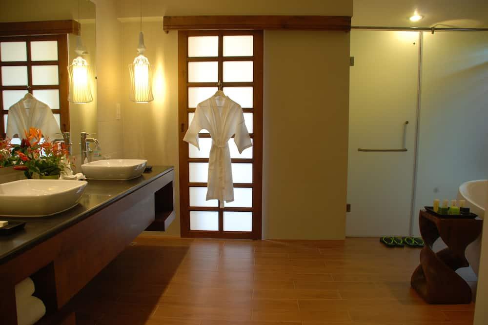 Deluxe Bungalow, 1 Bedroom, Garden View - Bathroom