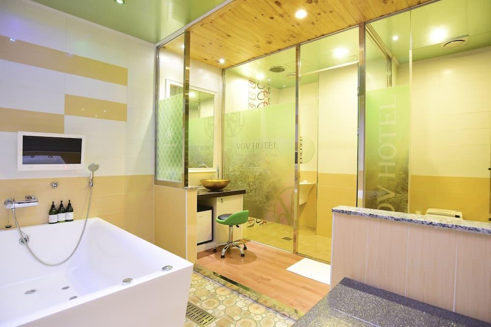 חדר דה-לוקס זוגי, ללא עישון, אמבט זרמים - חדר רחצה