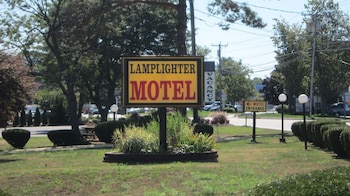 Picture of Lamplighter Motel - Clinton, Connecticut in Clinton