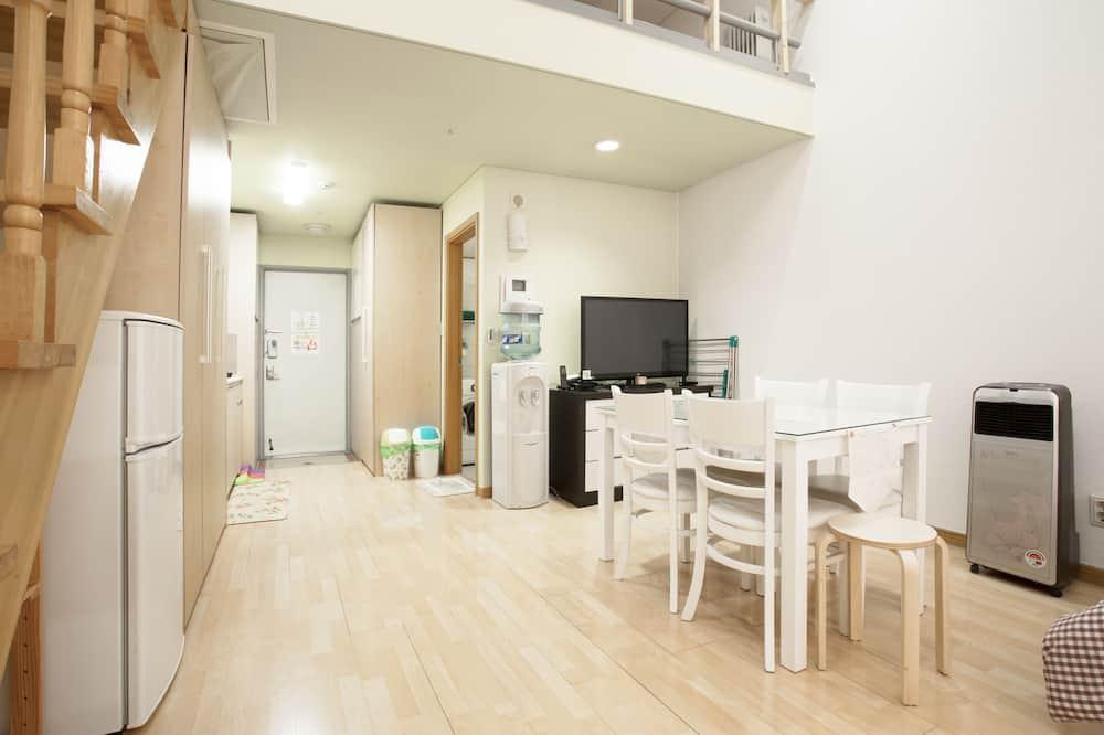 Rodinný dvojposchodový apartmán (  B  ) - Obývacie priestory