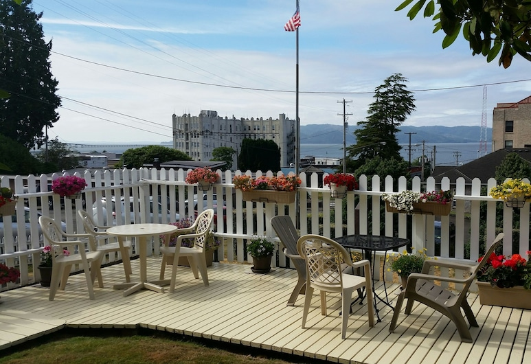 Rose River Inn Bed and Breakfast, Astoria, Terrasse/Patio