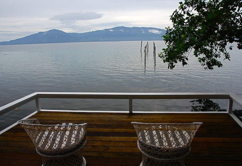 Driftwood Resort, Alotau, Vista dall'hotel