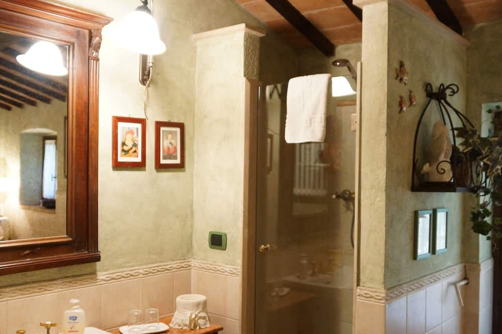 Romantisches Apartment, 2Schlafzimmer, Terrasse, zum Garten hin - Badezimmer