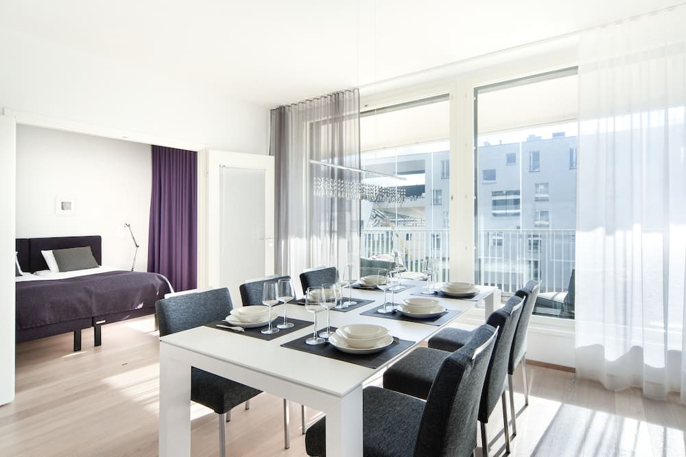 Appartamento Deluxe, 2 camere da letto, balcone - Pasti in camera