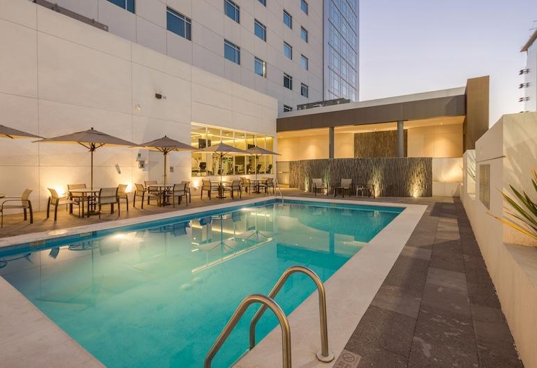 奇瓦瓦萬怡酒店, 吉娃娃, 室外泳池
