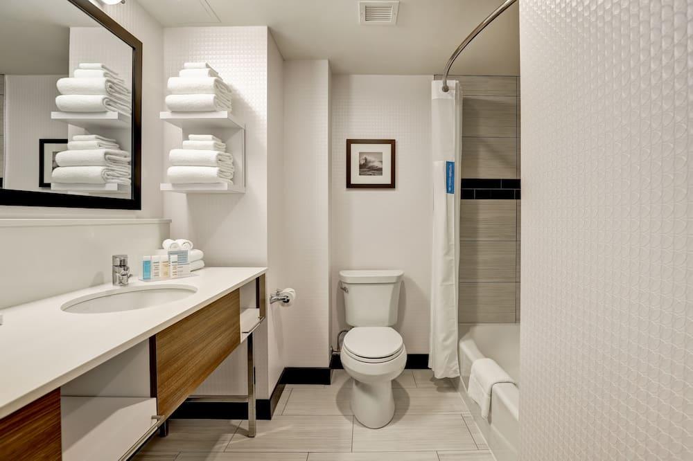 Habitación, con acceso para silla de ruedas, bañera - Baño