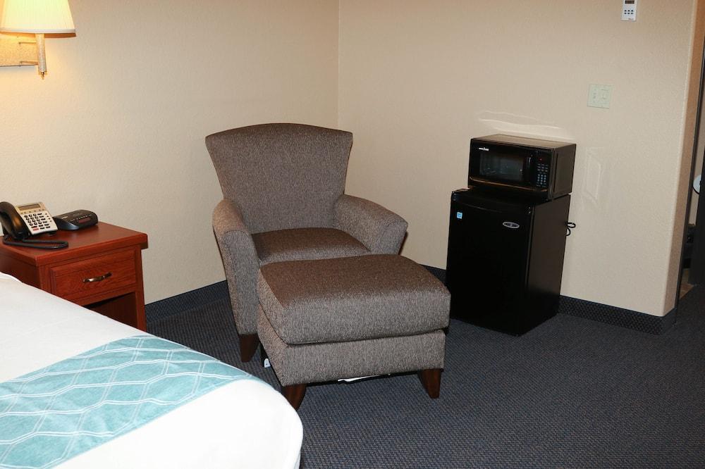 Zimmer, 1 Queen-Bett, barrierefrei, Nichtraucher - Minikühlschrank