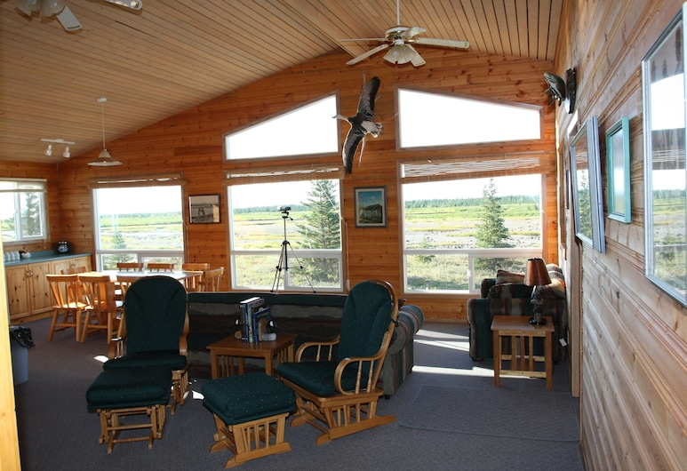 Kaska Goose Lodge - All Inclusive, Gillam, Superior Cabin, 4 Bedrooms, River View, Living Room