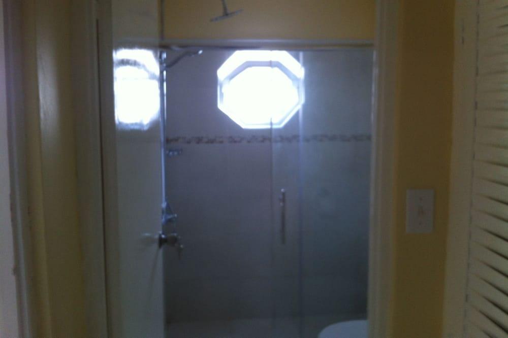 Štandardný apartmán, 1 spálňa, kuchyňa, výhľad na mesto - Kúpeľňa