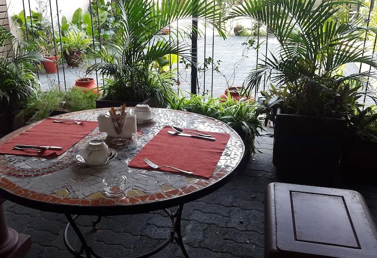 Mozaika Guesthouse 2, Maputo, Outdoor Dining