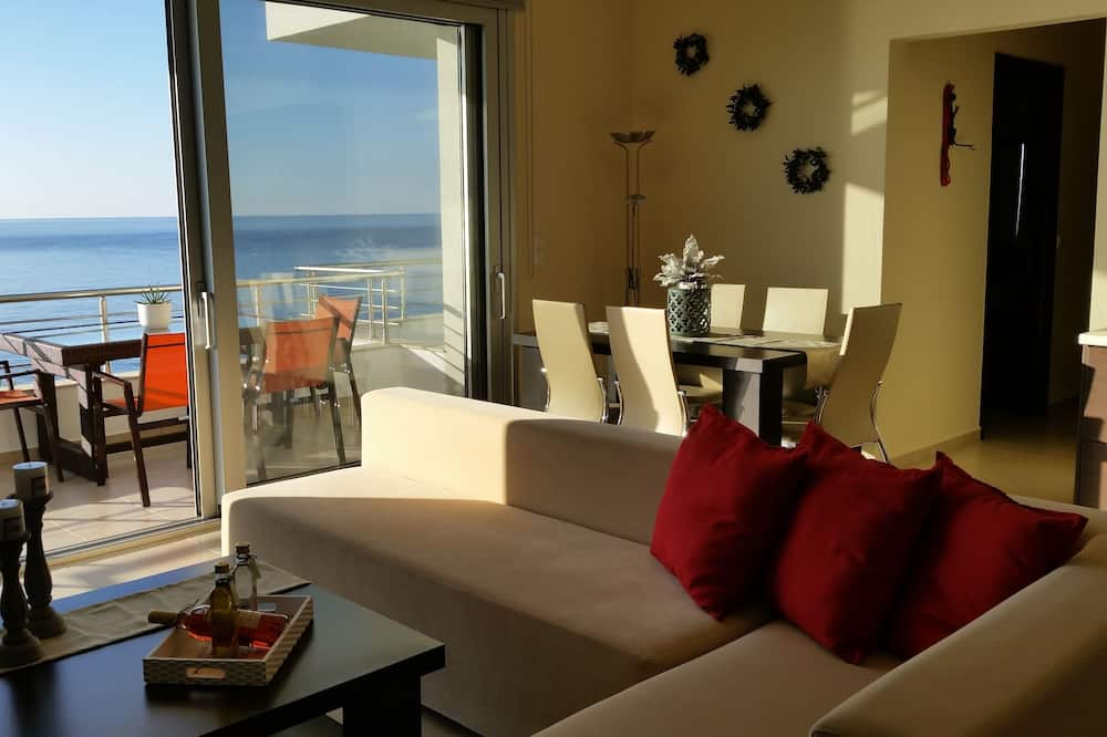 Superior Apartment, 2 Bedrooms, Partial Sea View (1st Floor) - Living Room