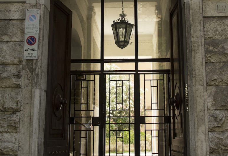 Maison Maneli Luxury B&B, Rome, Hotel Front