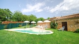 Book this Parking available Hotel in San Giovanni d'Asso