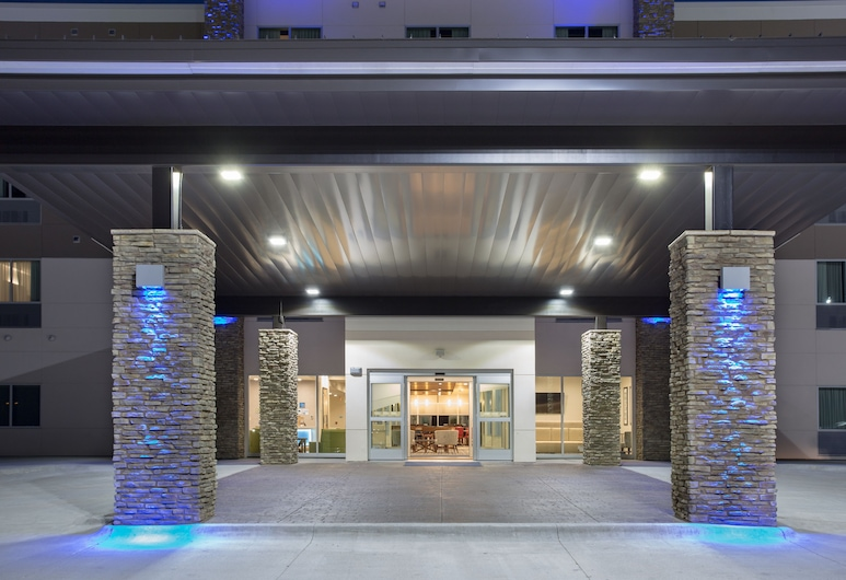 Holiday Inn Express and Suites Lincoln I - 80, Lincoln