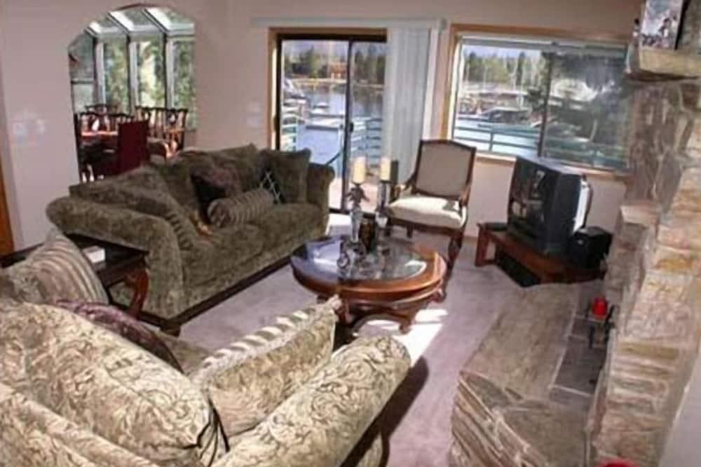 Liukso klasės namas, 3 miegamieji - Svetainės zona