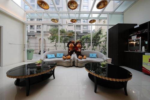 M-Hotel/