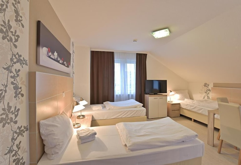 Hotel Alt-Finthen , Maguncia, Habitación cuádruple, Habitación
