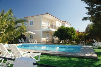 Picture of Dryoussa Apartments in Samos