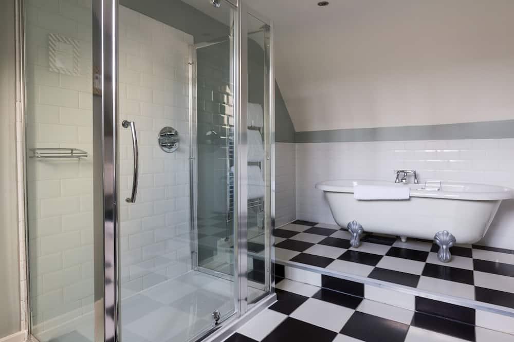 Luxury Room, 1 King Bed - Bathroom