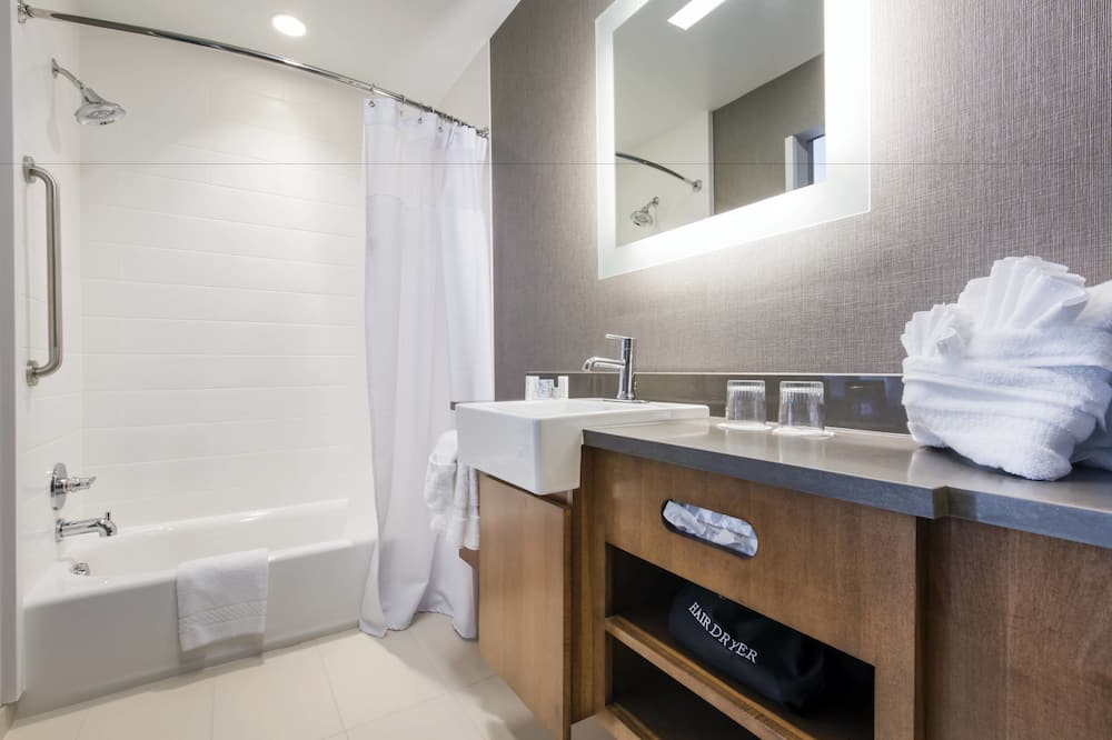 Suite, 2 Tempat Tidur Queen, non-smoking - Kamar mandi