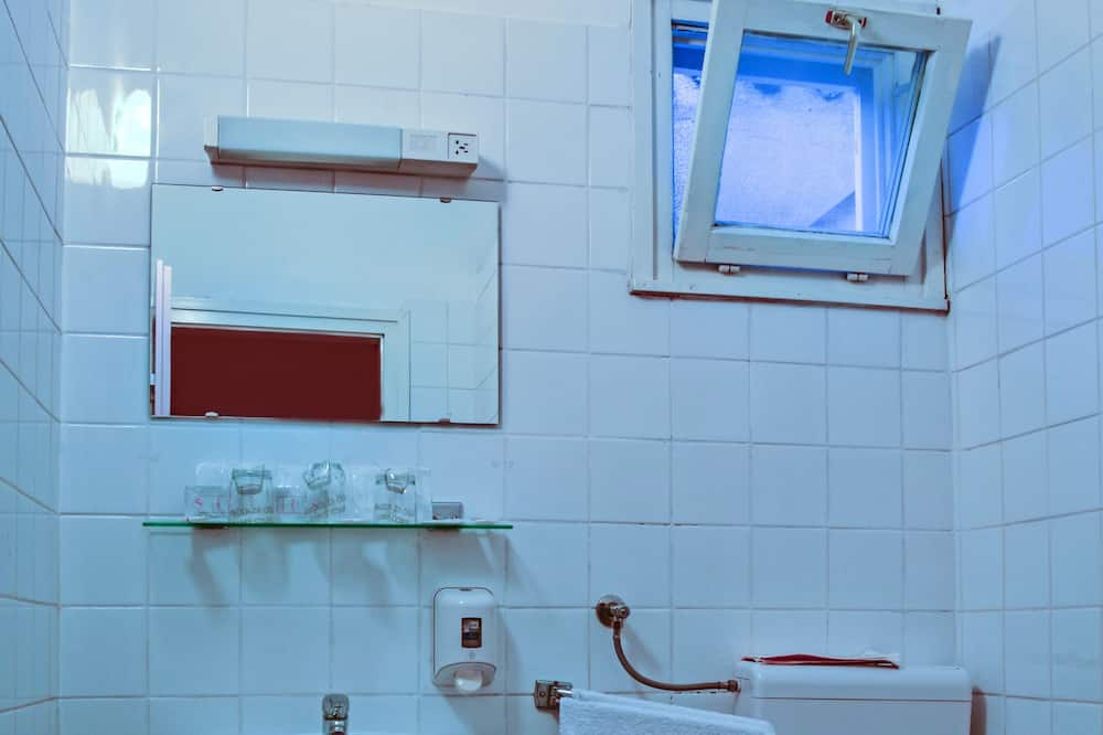 Dreibettzimmer, Parkblick - Badezimmer