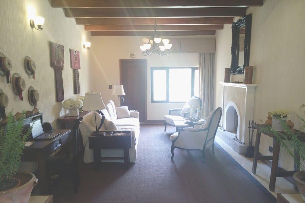 ห้องดีลักซ์สวีท, 1 ห้องนอน, วิวภูเขา - พื้นที่นั่งเล่น